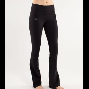 Lululemon | Recognition Black Yoga Pants Sz 8